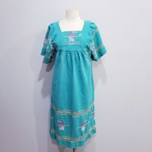 Vintage hippie boho ethnic embroidered dress